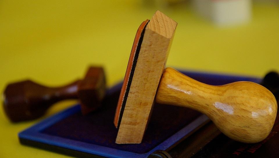 Comment les tampons encreurs peuvent aider votre entreprise à se démarquer ?